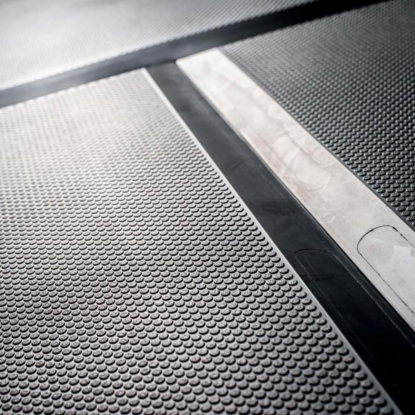 Bodenmatte abgeflachte Kante zur Vermeidung von Stolpern
